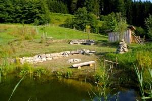 Das neue Platzerl am Teich.